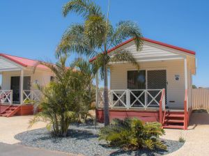 Outback Oasis Caravan Park - Accommodation Nelson Bay