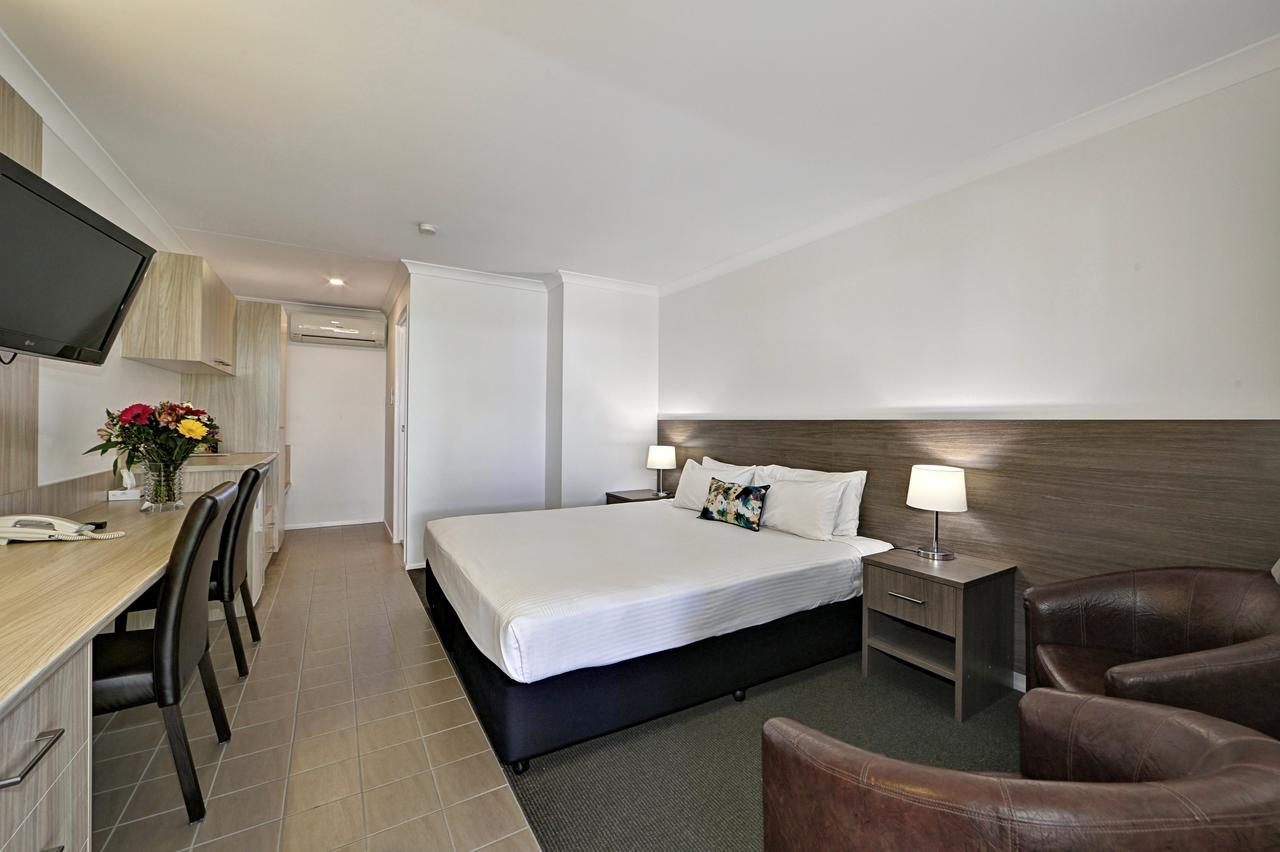 Smart Motels Bert Hinkler - Accommodation Nelson Bay